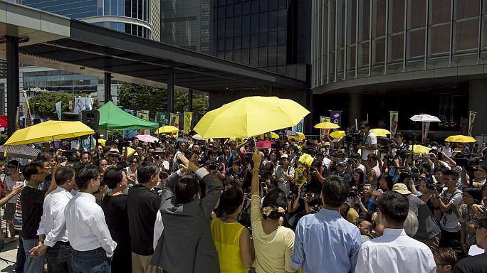 Hong Kong'da siyasi reform paketine onay çıkmadı