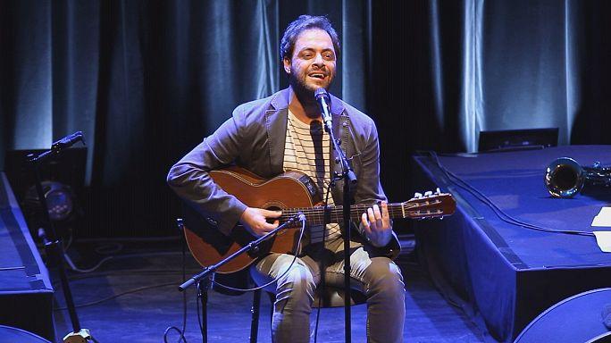 Portekiz'in ünlü sesi Lyon'da sahne aldı