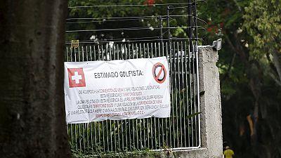 La pancarta de la discordia entre la diplomacia suiza y los golfistas venezolanos