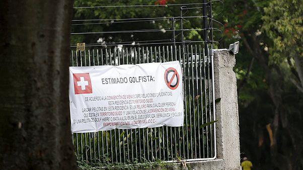 فنزويلا: خلاف مع السفارة السويسرية من أجل كرات غولف