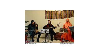 اجرای قطعاتی از شجریان در کنسرت گروه بانوان