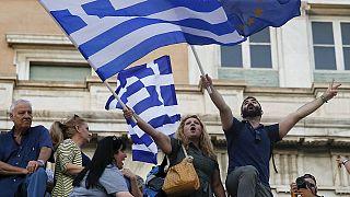 """Non au """"Grexit"""" : les pro-européens manifestent à Athènes"""