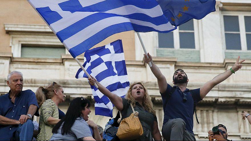 Partidários do euro manifestam-se em Atenas