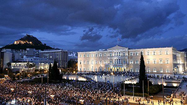 Tausende Griechen demonstrieren für den Euro