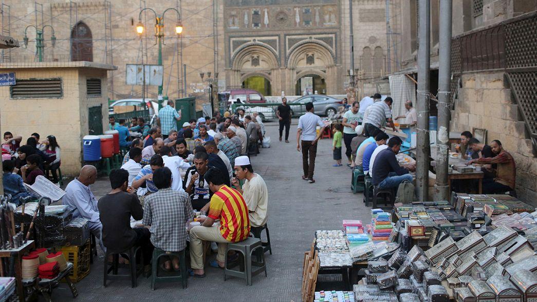 Auftakt zum Fastenmonat Ramadan in der islamischen Welt