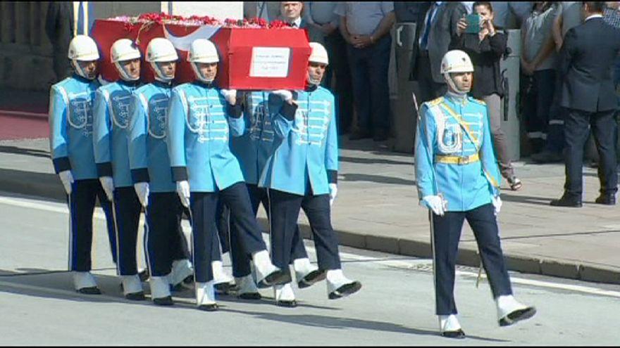 Funeral de Estado para dar el último adiós al expresidente turco Süleiman Demirel