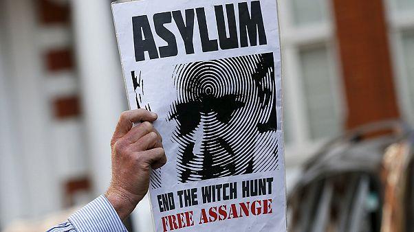 سه سال از پناهندگی جولیان آسانژ در سفارت اکوادور گذشت