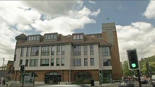 Великобритания: загадочное тело на крыше дома