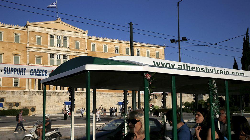 السيّاح في اليونان قلقون من عجز أثينا عن السداد
