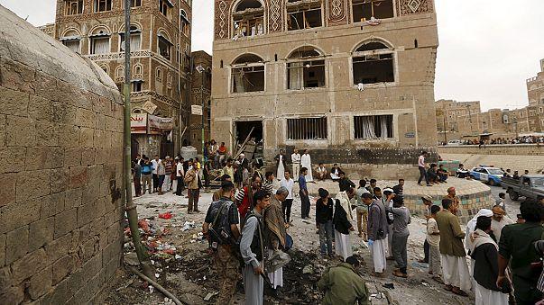 IS-Miliz verübt Anschlag auf Moschee in Sanaas Altstadt