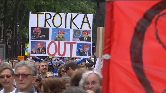 Manifestaciones de solidaridad con Grecia  a pocas horas de la cumbre de los países de la eurozona