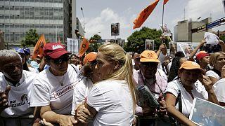 Venezuela'da muhalifler siyasi tutuklular için yürüdü