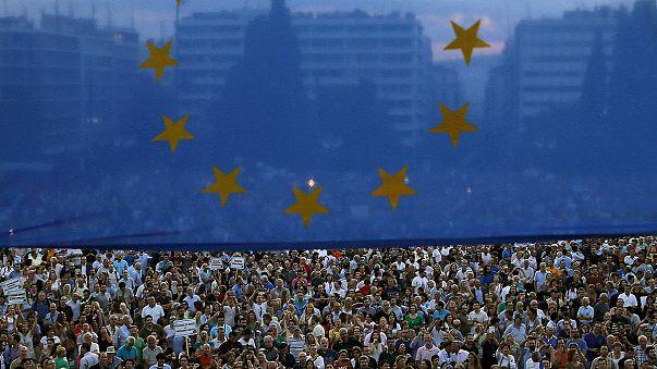 Brüksel'de Yunanistan'a destek yürüyüşü