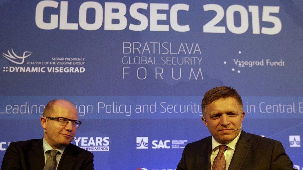 A Bratislava, les grands dangers qui pésent sur le monde