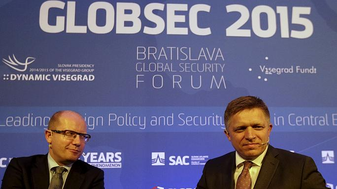 """Bratislava'daki Küresel Güvenlik Forumu""""nda gündem göçmenler"""