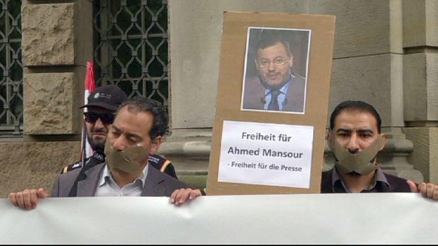 Elengedték az őrizetből az al-Dzsazíra újságíróját