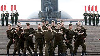 Seconda guerra mondiale, 74 anni dopo. Tributi alle vittime a Mosca e Kiev