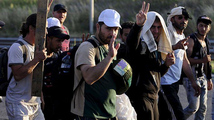 Síria: Milhares de refugiados continuam a regressar da Turquia a Tel Abyad