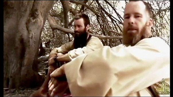 Két, dzsihadisták által elrabolt férfi kéri kormányaik segítségét