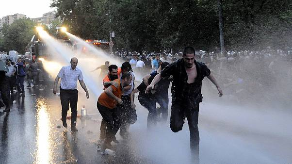 """""""Электромайдан"""": почему цены на свет """"взорвали"""" Армению?"""