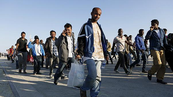 İtalya'ya son 24 saat içinde 2 bin 700 göçmen akın etti