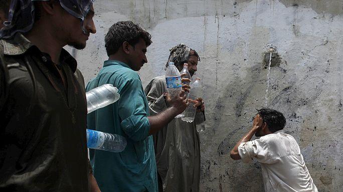 وفاة 700 شخص بسبب موجة الحَّر في كراتشي
