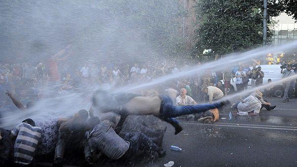 Erivan'da gösteriler sürüyor