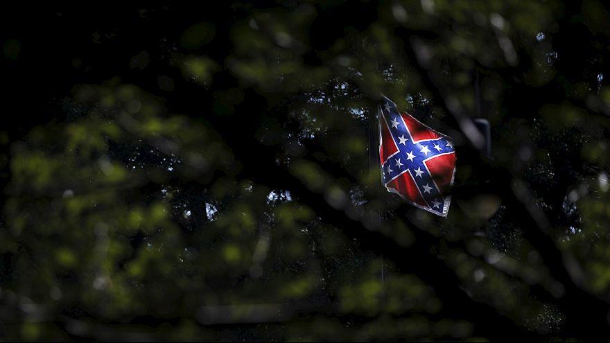 Tovább szítja a feszültséget az amerikai konföderációs zászló