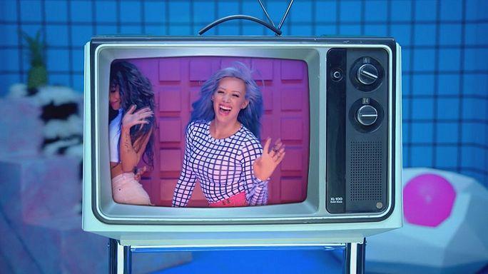 Après une pause de huit ans, Hilary Duff revient à la chanson
