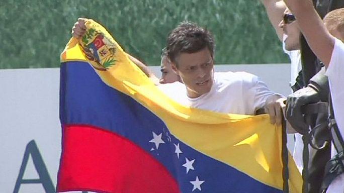 Vénézuela : Lopez, le leader de l'opposition radicale, arrête sa grève de la faim