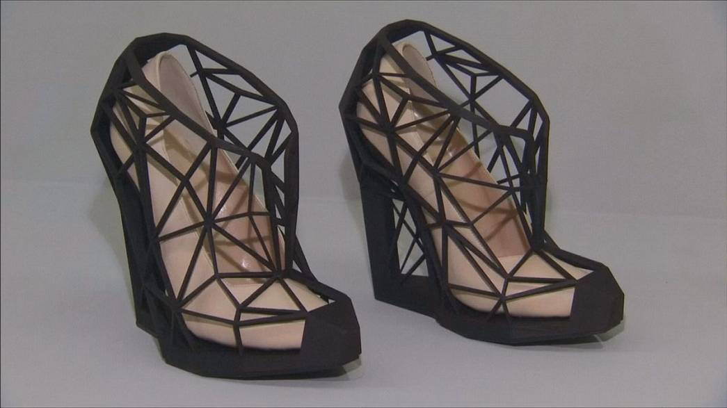 2 bin yıllık ayakkabı tarihi Londra'da sergileniyor