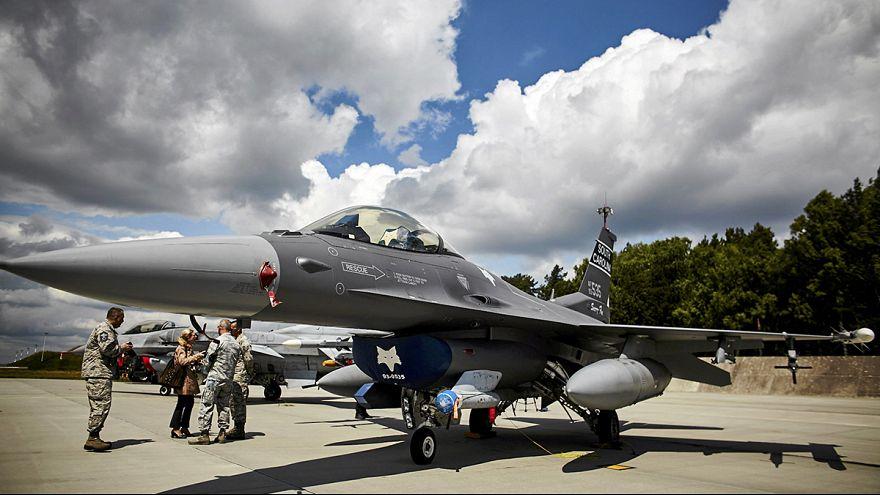 Stoltenberg: reforço militar da NATO na Europa é defensivo