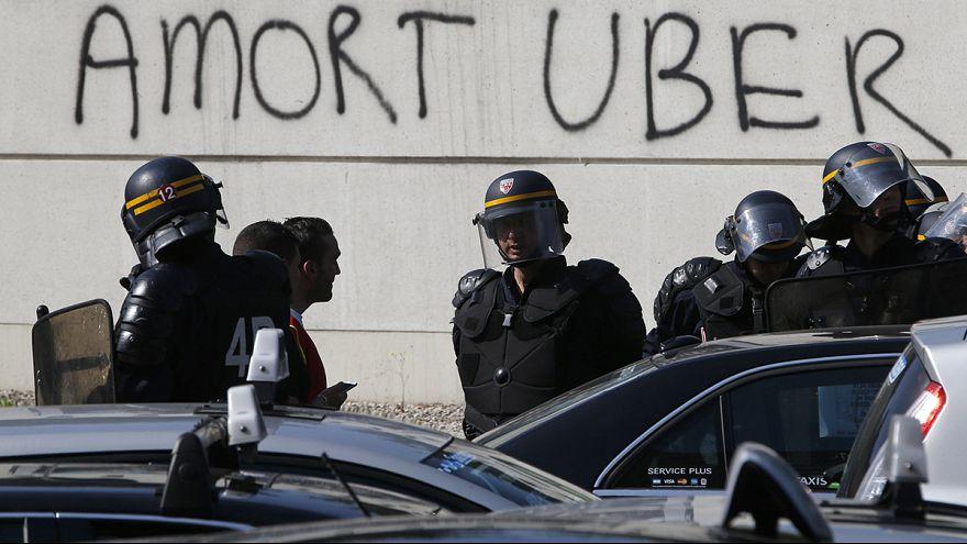 France : face-à-face musclé entre taxis et Uber