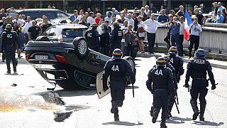 يوم غضب للسائقين العموميين في فرنسا ضد تطبيق اوبير