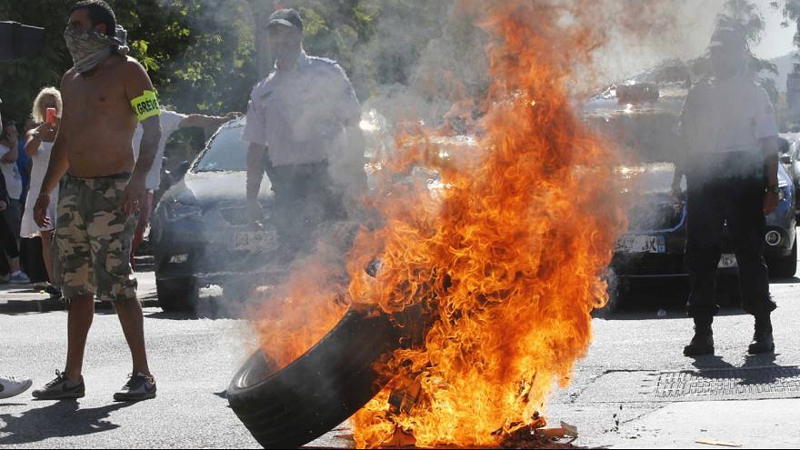 France: Anti-Uperpop taxi protest turns violent