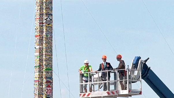 В Милане построили Вавилонскую башню из Лего
