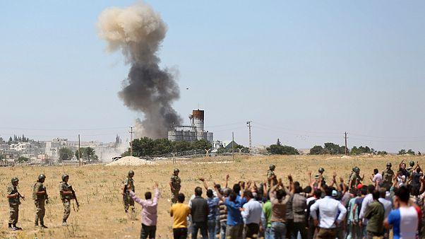 IŞİD'in Kobani saldırısı sonrası 'sınır' tartışması yeniden alevlendi