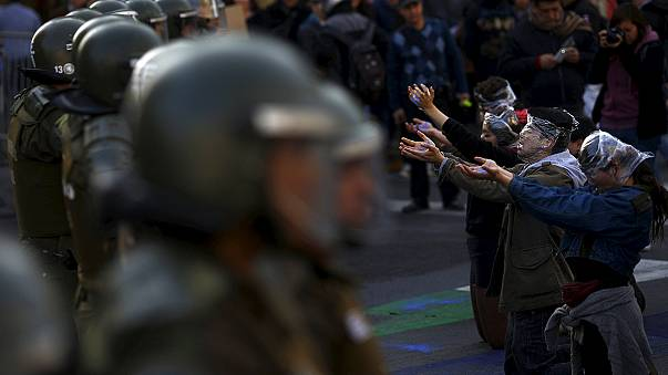 Santiago: Clashes during student demo over education reforms