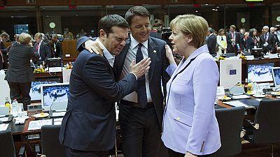 """Líderes europeus acordam repartição """"voluntária"""" de 60 mil migrantes"""