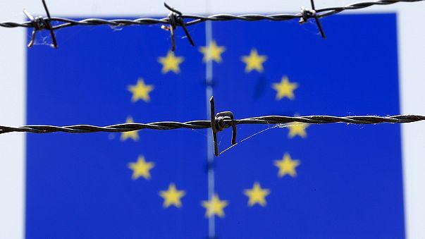 رئيس وزراء إيطاليا غاضب لإنه يريد نظام حصص إجباري لتوزيع اللاجئين
