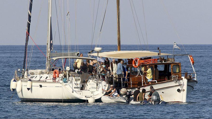 أسطول الحرية يواصل طريقه إلى غزة