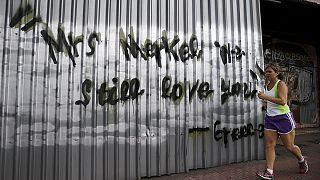 Atene: timori e nuove file davanti alle banche dopo l'annuncio di Tsipras