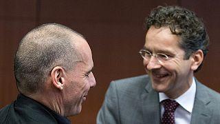 Eurogrupo arranca com duras críticas ao referendo na Grécia