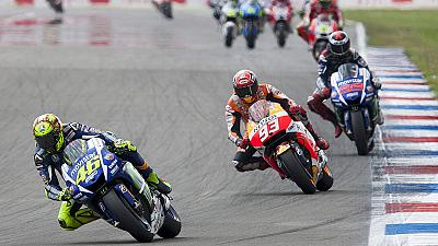 Rossi fights for victory at Assen GP