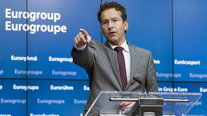 Greek parliament authorises referendum on bailout offer