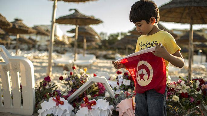 آلاف السياح الأجانب يغادرون تونس بعد هجوم سوسة