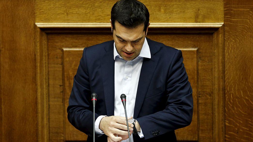Sì del Parlamento greco al referendum sul piano di salvataggio