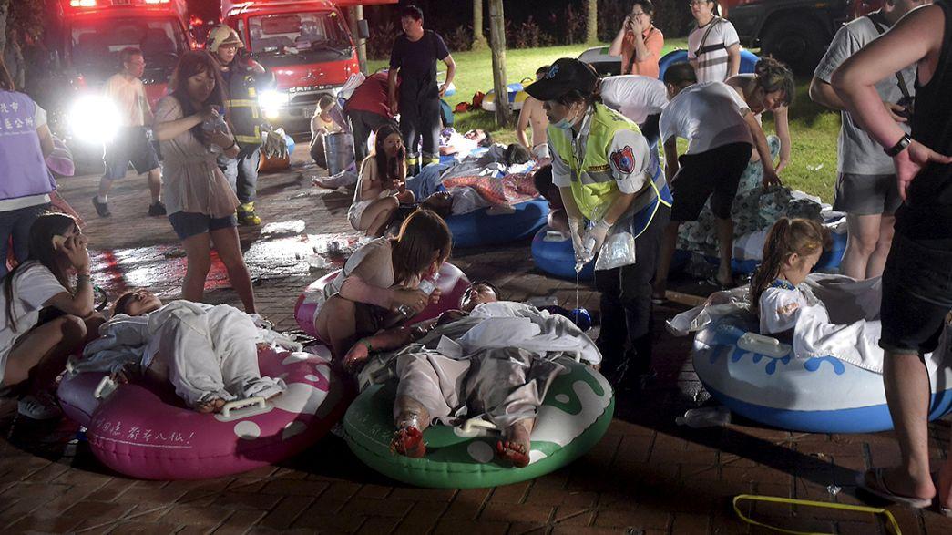 Un incendio en un parque acuático en Taiwán deja alrededor de 500 heridos