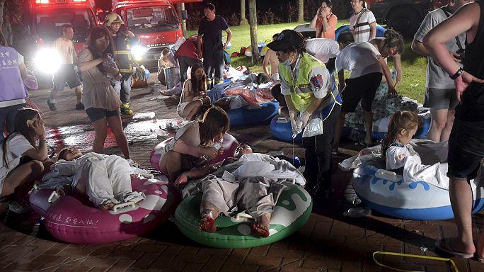 أكثر من 500 شخص أصيبوا بجروح في حريق داخل حديقة تسلية في تايوان