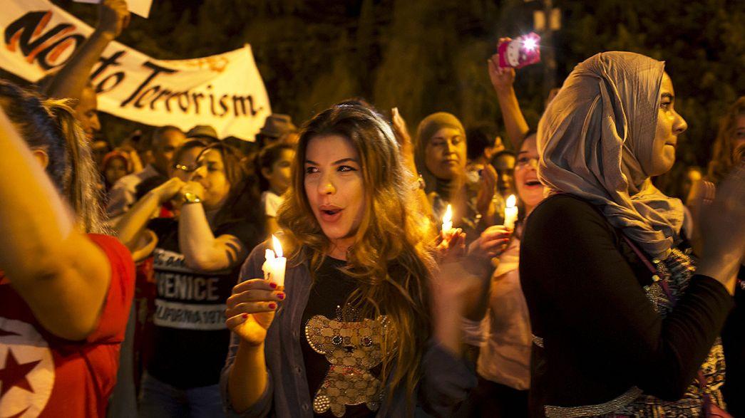 La Tunisia in piazza contro il terrorismo